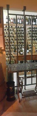 Alenquer, Portugal: A garrafeira