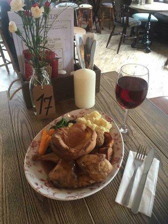 Restaurants railway bell in redbridge with cuisine british for Cafe le jardin bell lane london
