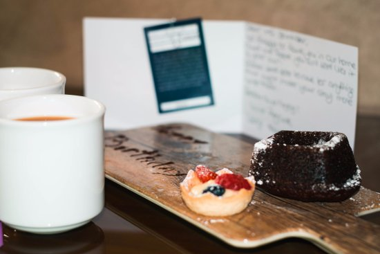 Radisson Blu Edwardian Hampshire Hotel: A lovely welcome gift from reception