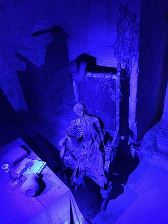 Saaremaa, Estonya: Скелет в подземелье