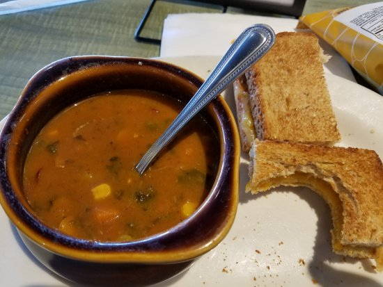 Lee's Summit, MO: Toasted Cheese and Organic Vegetable Soup for lunch... YUM!