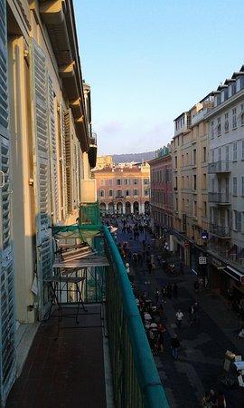 Ajoupa Apart'hotel Nice: vue sur la place Masséna