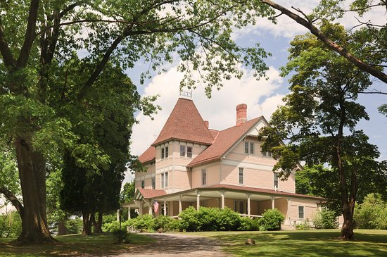 Mount Merino Manor: this 1870's victorian manor is surrounded by 100 acres of trails and trees.