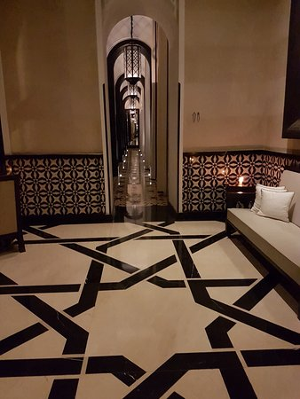 Couloir entree - Picture of Ling Ling Marrakech - TripAdvisor
