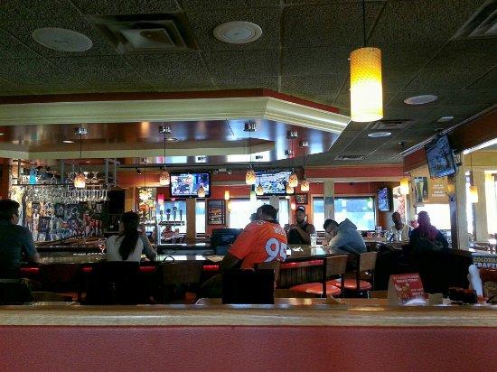 Applebee's: THe bar