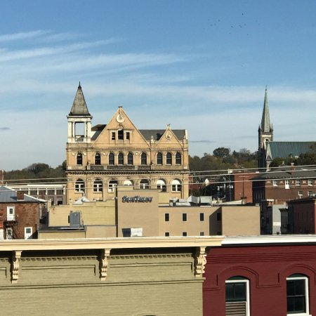 Staunton, VA: Another view of the city from the park