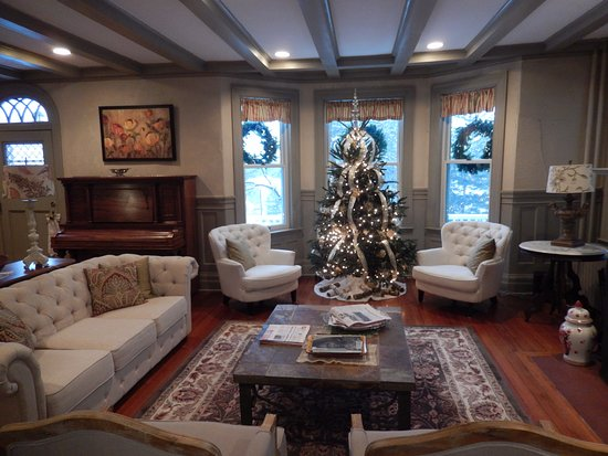 Greenfield, MA: Interior picture from Dec 2016 stay at Brandt House.