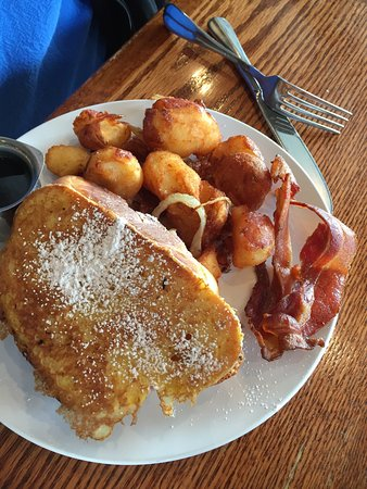 Leawood, KS: Challah French toast