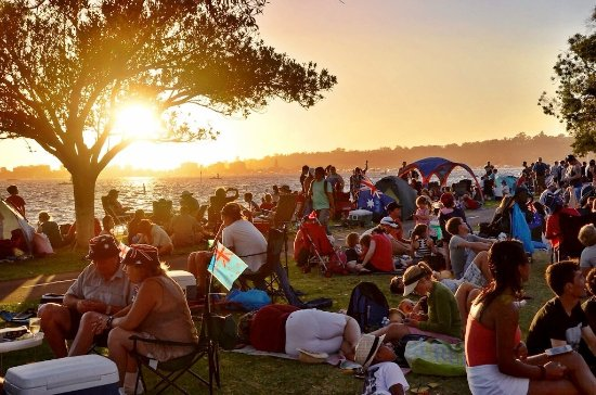 Exclusive Backpackers: PERTH CITY EVENT