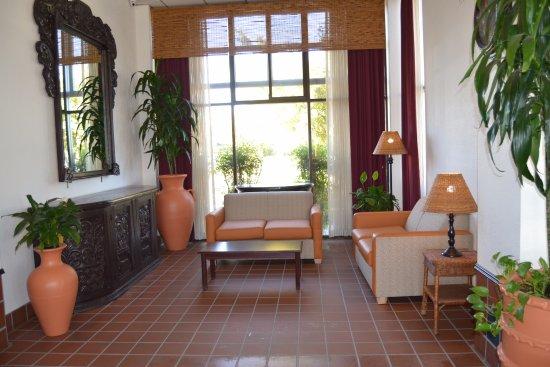 Oakdale, Kalifornien: Lobby Sitting Area