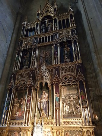 Iglesia de San Vicente : Altar lateral, com a Virgem