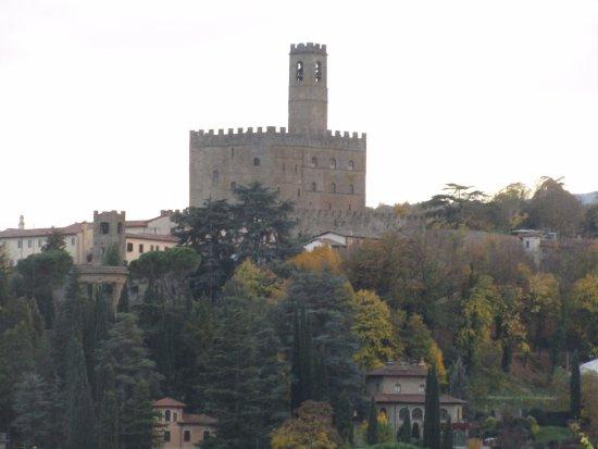 Poppi, Ιταλία: vista del castello