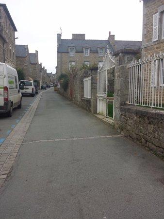 Saint-Jacut-de-la-Mer, Frankrike: Rue typique.