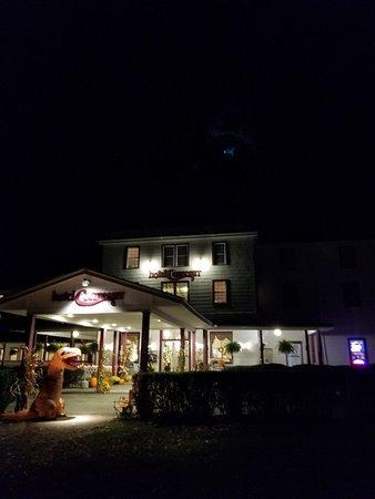 Hotel Conneaut at Conneaut Lake Park