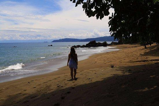 Drake Bay, Costa Rica: Playa Josecito. Blog: unachicatrotamundos.com