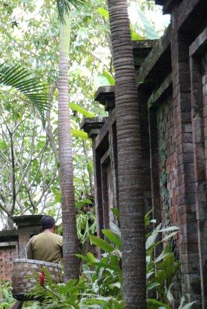 COMO Uma Ubud: Walkway to rooms
