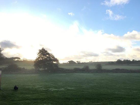 Lamphey, UK: Early morning mist at Dewslake farm