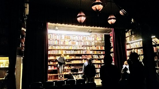 Mercantic: Interior libreria El siglo