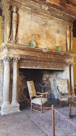 Chateau de Lourmarin: 20170830_142333_large.jpg