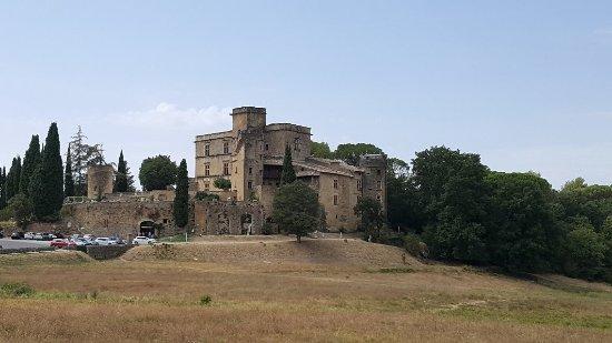 Chateau de Lourmarin: 20170830_135557_large.jpg