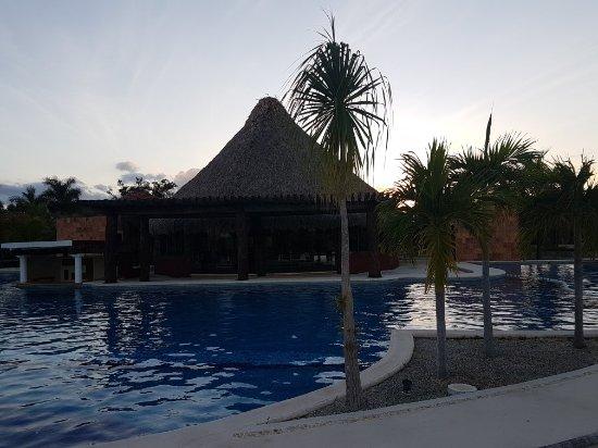 Tecoh, Mexico: 20171106_171218_large.jpg