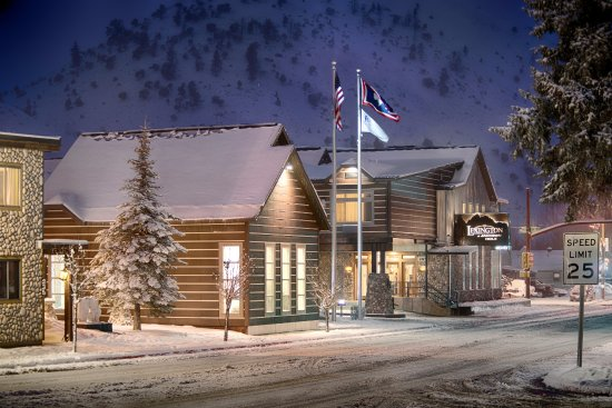 Hotel In Wyoming Mi With Banquet Rooms