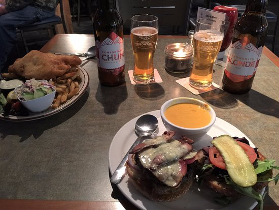 Bowser, Canada: Freshly Prepared Home Cooked Meals & Ice Cold Craft Beer