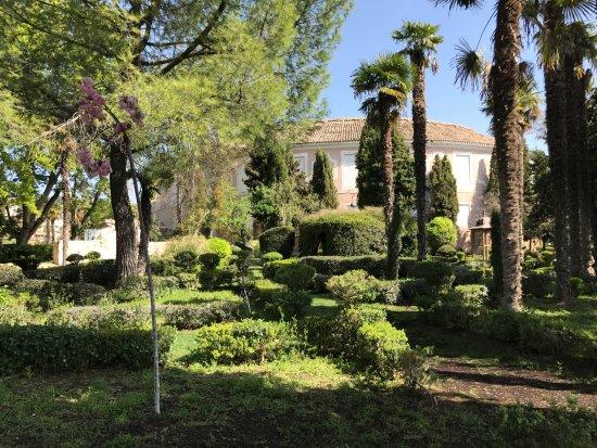 Brihuega, España: Jardines de la Real Fábrica de Paños.