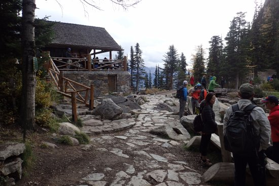 Lake Agnes Tea House: Agnes Tea House is a welcome relaxing point