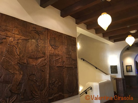 Hotel Andaluz: In the hall - Andaluz Hotel - Albuquerque, NM