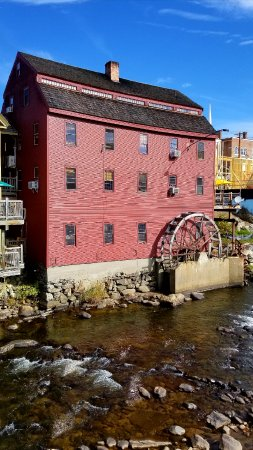 Littleton, Nueva Hampshire: Mill view from the bridge