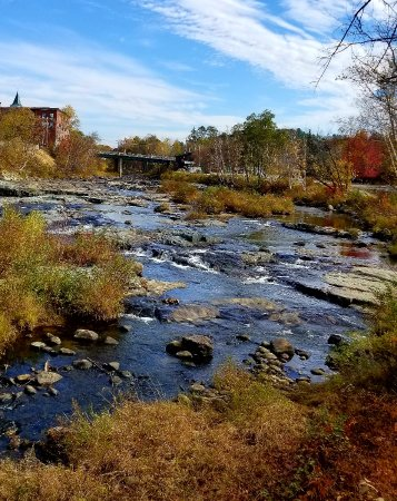 Littleton, Nueva Hampshire: River view from bridge