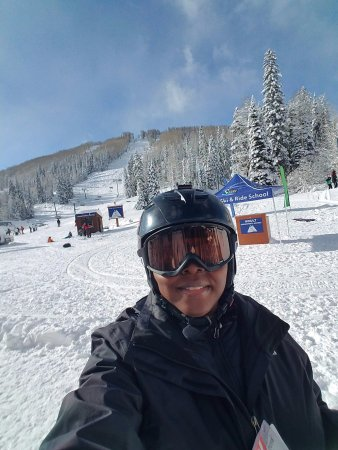 Purgatory Resort: Skiing (or trying to) for the first time! BIG FUN!!