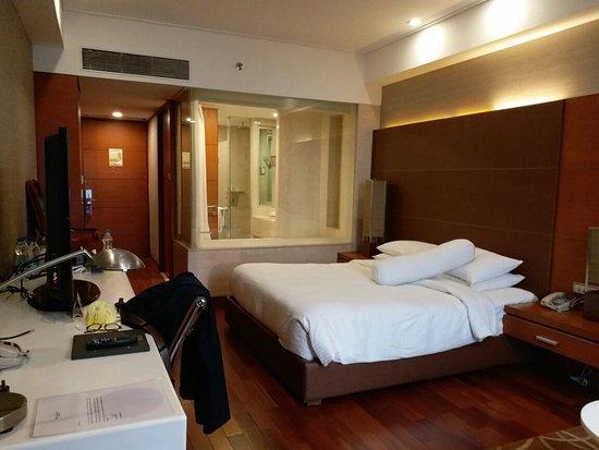 Piccadily Hotel: 20171107_164341_large.jpg
