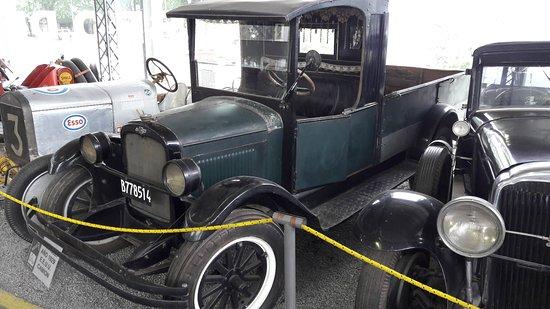 Museo del Automovil Manuel Iglesias: Primer camión de Campana - Chevrolet 1929