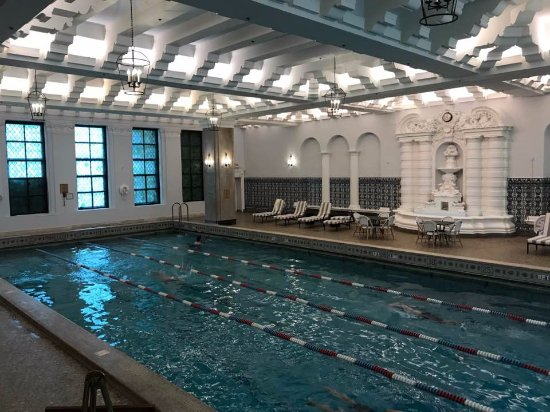 InterContinental Chicago Magnificent Mile: They tell me that this pool is the oldest continually running pool in operation in the country.