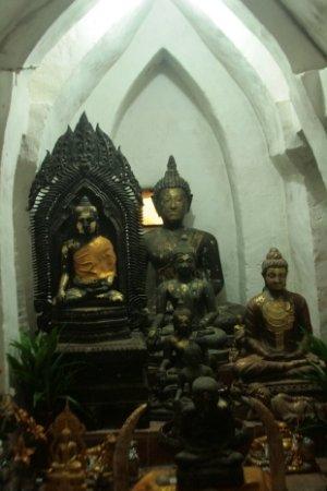 Chiang Saen, Tailandia: ブッダ