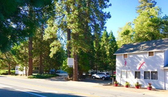 Grass Valley, CA: Front View