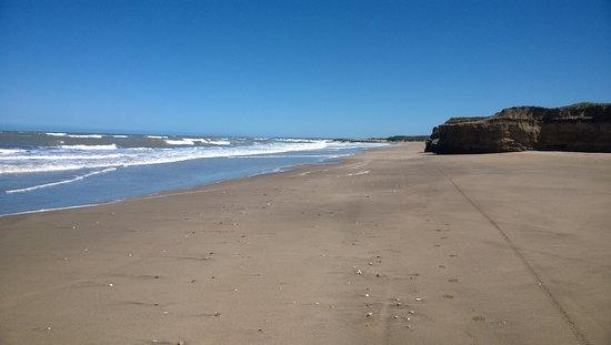 Santa Clara del Mar, الأرجنتين: Playa en Camet Norte