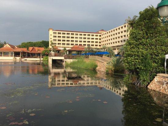 Dusit Thani Hua Hin: Surrounding views.