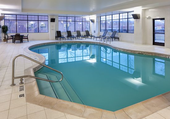 Embassy Suites by Hilton Anchorage: Indoor Pool