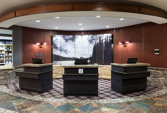 Embassy Suites by Hilton Anchorage: Lobby Front Desk