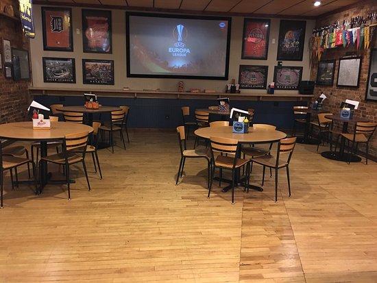 Whitehall, Мичиган: Pub 111