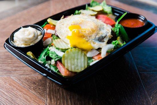 Tustin, Kalifornia: Bowl with egg