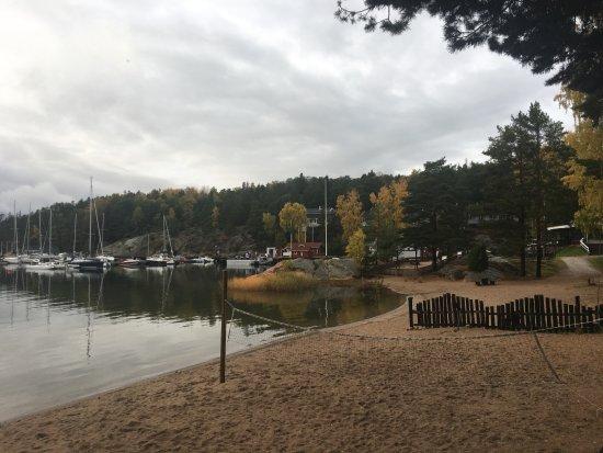 Parainen, Finlandia: 目の前は小さなビーチ