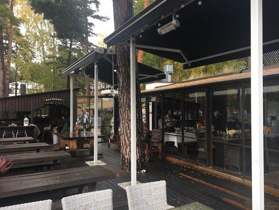 Parainen, Finlandia: オープンデッキから店内の様子