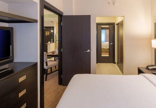 San Rafael de Escazu, Costa Rica: One-Bedroom Suite Sleeping Area