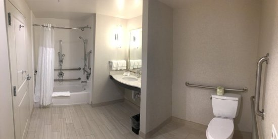Pittsfield, MA: Accessible Bathroom with Tub