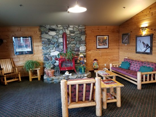 McCall, ID: Wood burning stove and sitting area