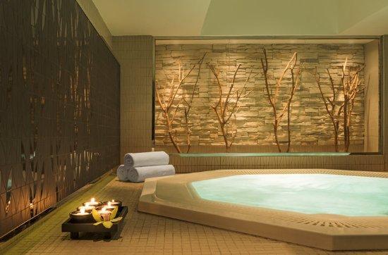 The Westin Dubai Mina Seyahi Beach Resort & Marina: Heavenly Spa Jacuzzi